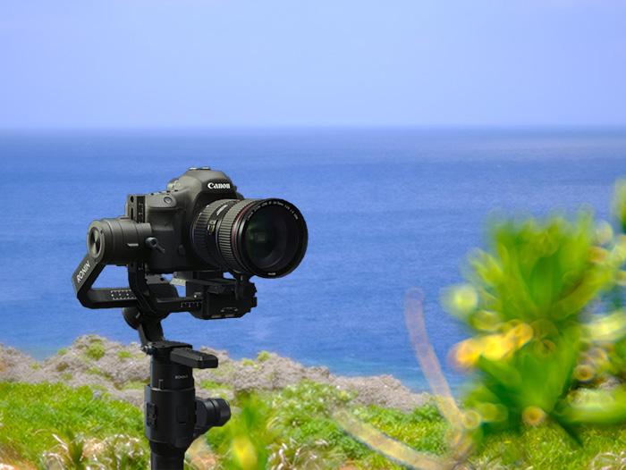 沖縄ハピネスメモリー一眼レフスタビライザー使用撮影、手ぶれなしの滑らかな映像