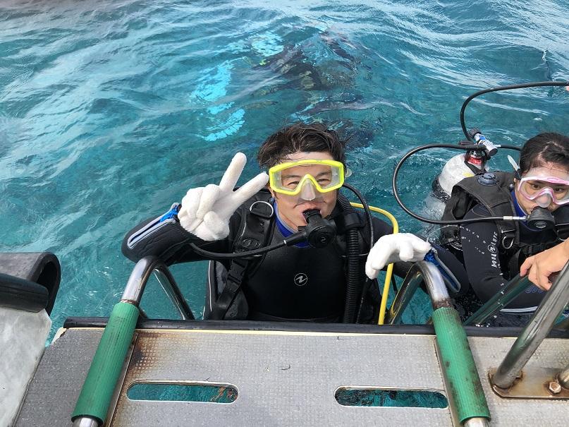 沖縄体験ダイビング_ウミガメウォッチング_ジェイケーウェーブ