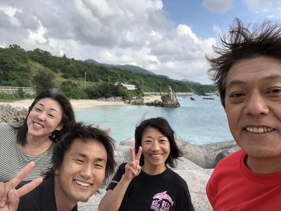 沖縄ダイビング 水中撮影 ゴリラチョップ  イワシの群れ ジェイケーウェーブ JK-Wave