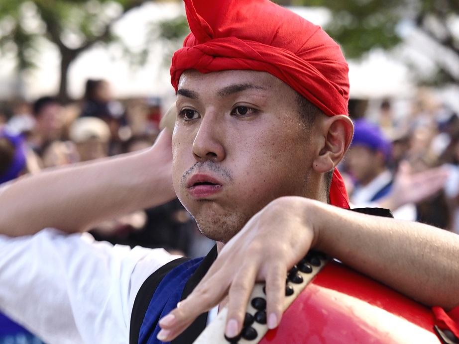 沖縄 一万人のエイサー踊り隊