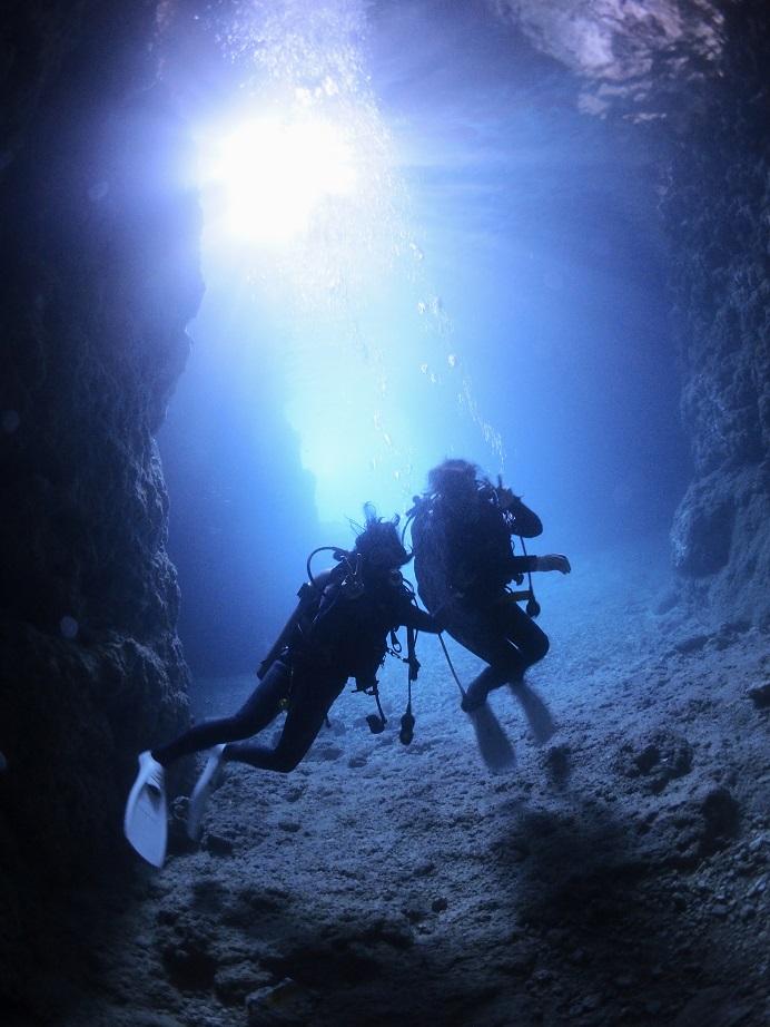 真栄田岬 青の洞窟 リフレッシュダイビング ジェイケーウェーブ