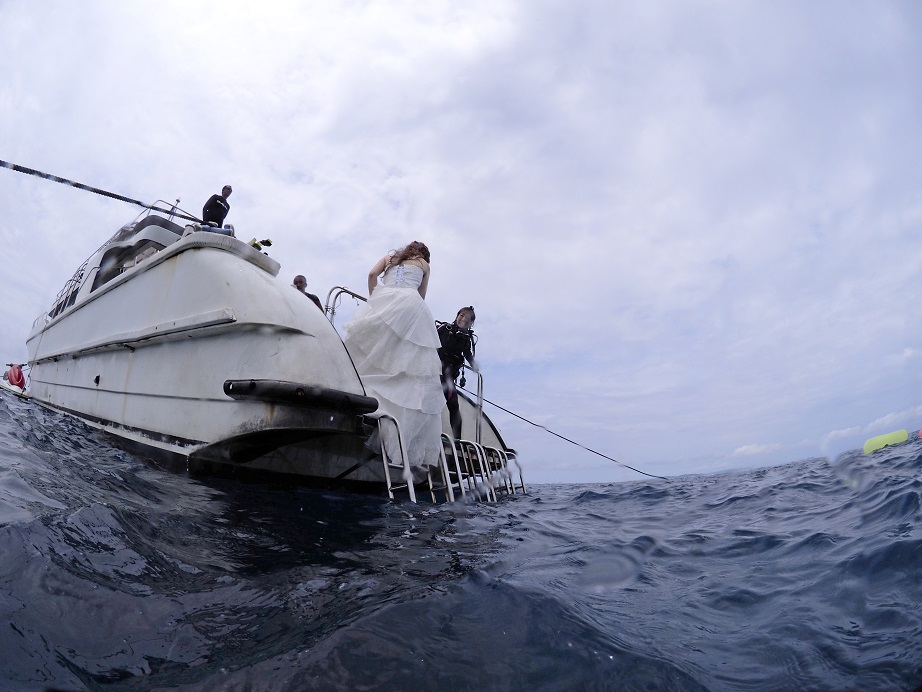 沖縄水中フォト撮影 コスプレ撮影 ジェイケーウェーブ JK-Wave