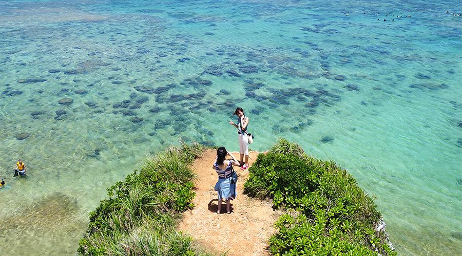 沖縄ハピメモ 恩納村の穴場ビーチと観光スポット巡りツアー